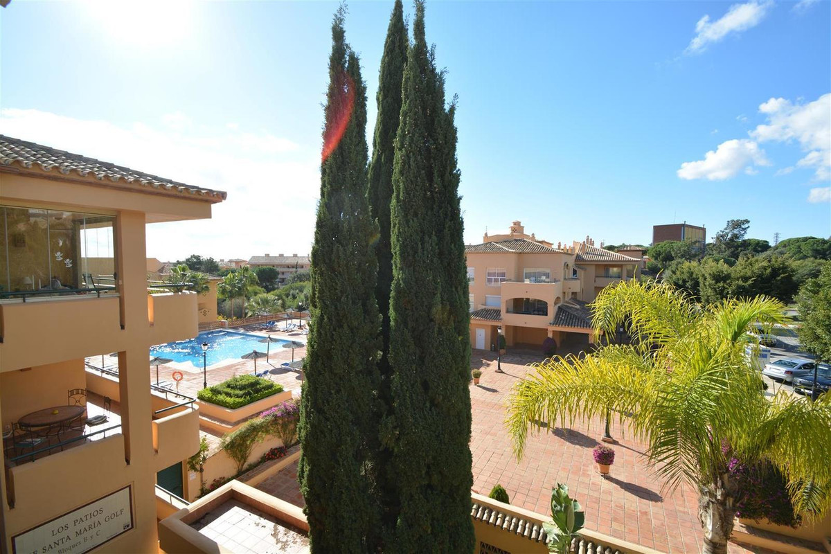 Beautiful sunny luxury apartment located in one of the best areas of Elviria. The apartment has a sp,Spain