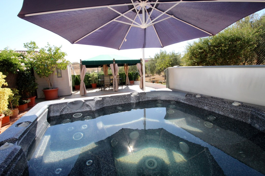 Beautiful villa in Alcaucin, Venta Baja. The House is divided in two independent apartments. The mai,Spain