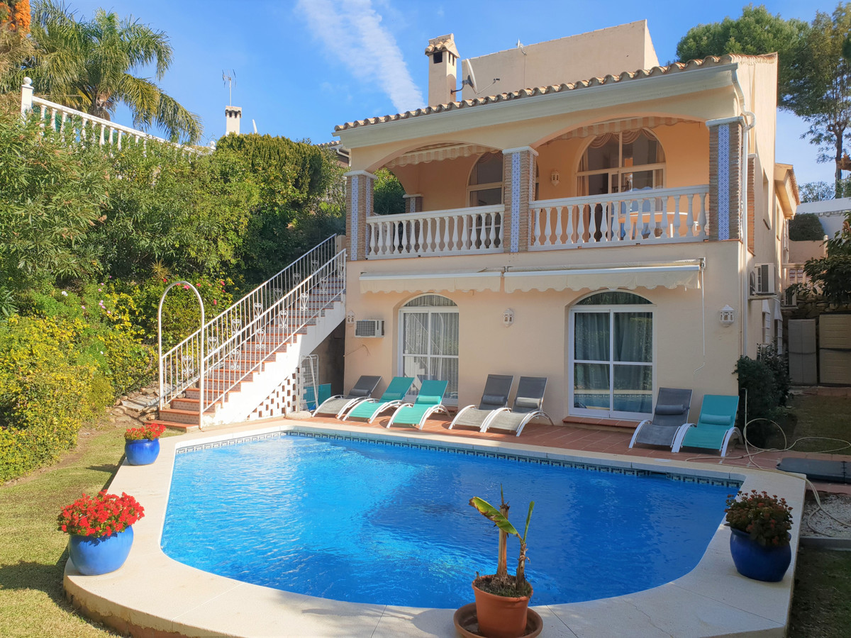 This spacious villa is located  in a quiet area of Calahonda close to La Cornisa restaurant. The Vil, Spain