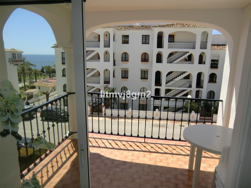 Situated in a perfect location just opposite princes Diana Park of Riviera Del Sol. 2-bedroom apartm, Spain