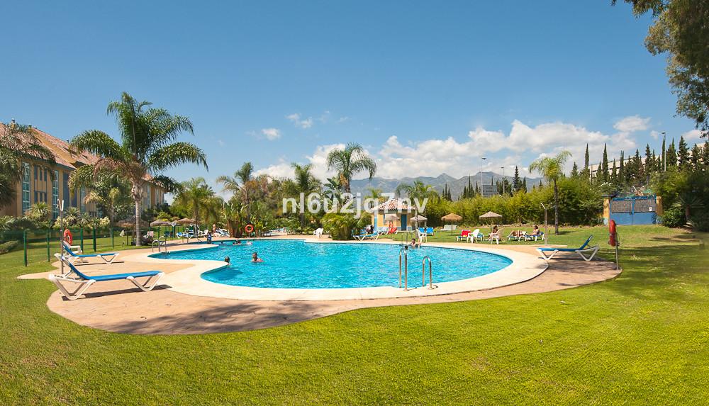 Situated less than 500m from the one of the coasts best beaches lies this very well maintained devel, Spain