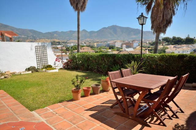 A very well maintained and beautifully renovated semi-detached house in a beautiful area with whitew, Spain