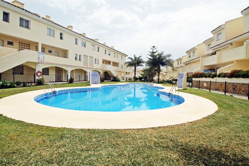Lovely two bedroom furnished duplex apartment for sale in Calahonda, Mijas Costa. Closed complex wit,Spain