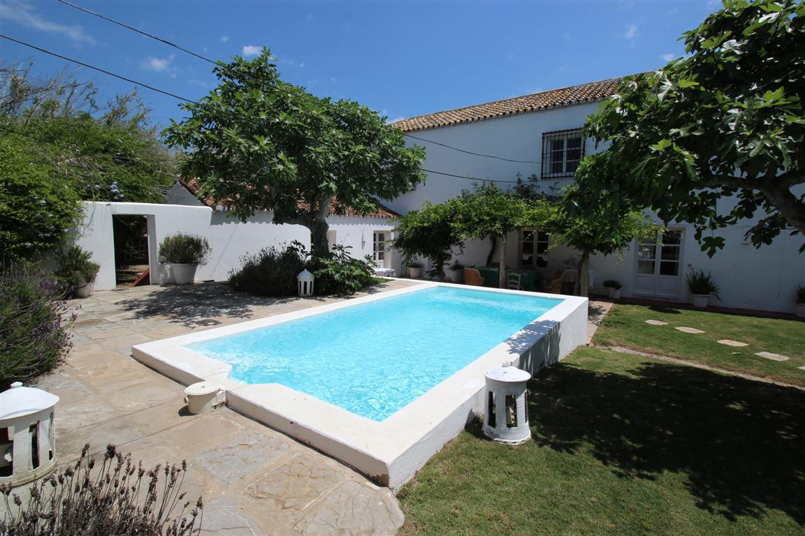 CHARMING FINCA CLOSE TO THE BEACH AND SOTOGRANDE Traditional and charming country property in a quie, Spain