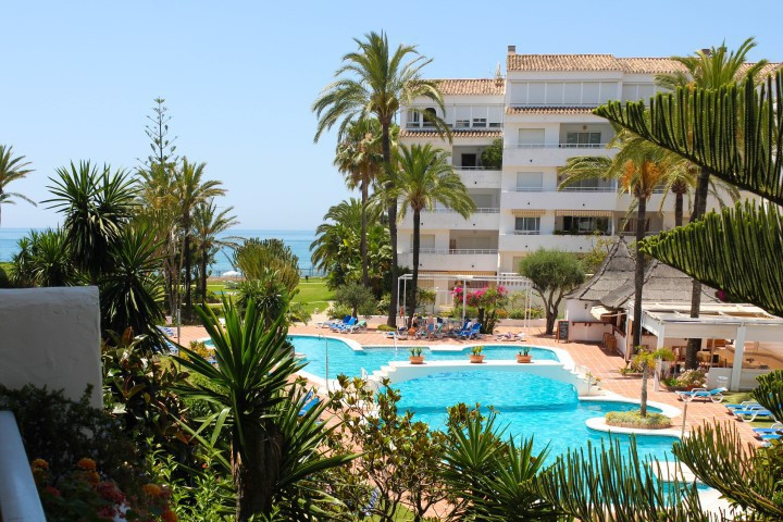 Middle Floor Apartment, Marbesa, Costa del Sol. 2 Bedrooms, 2 Bathrooms, Built 100 m², Terrace 10 m², Spain