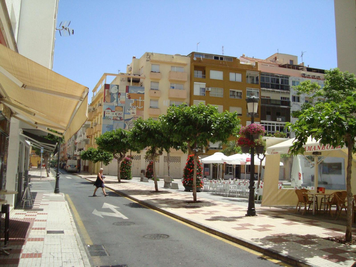 Business premise located second line beach, in the corner of two streets in square surrounded by sho, Spain