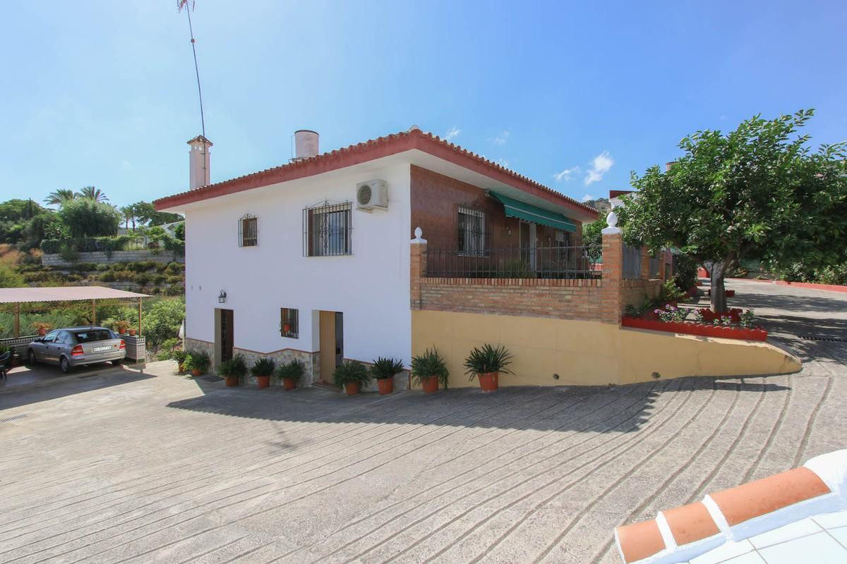 Finca located on URBAN LAND in Guaro on flat plot of 4818m2. Separate Accommodation.   This unique p,Spain