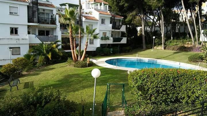 It´s sold a flat  with views to the sea in a second floor with lift, just 10 minutes away from the m,Spain