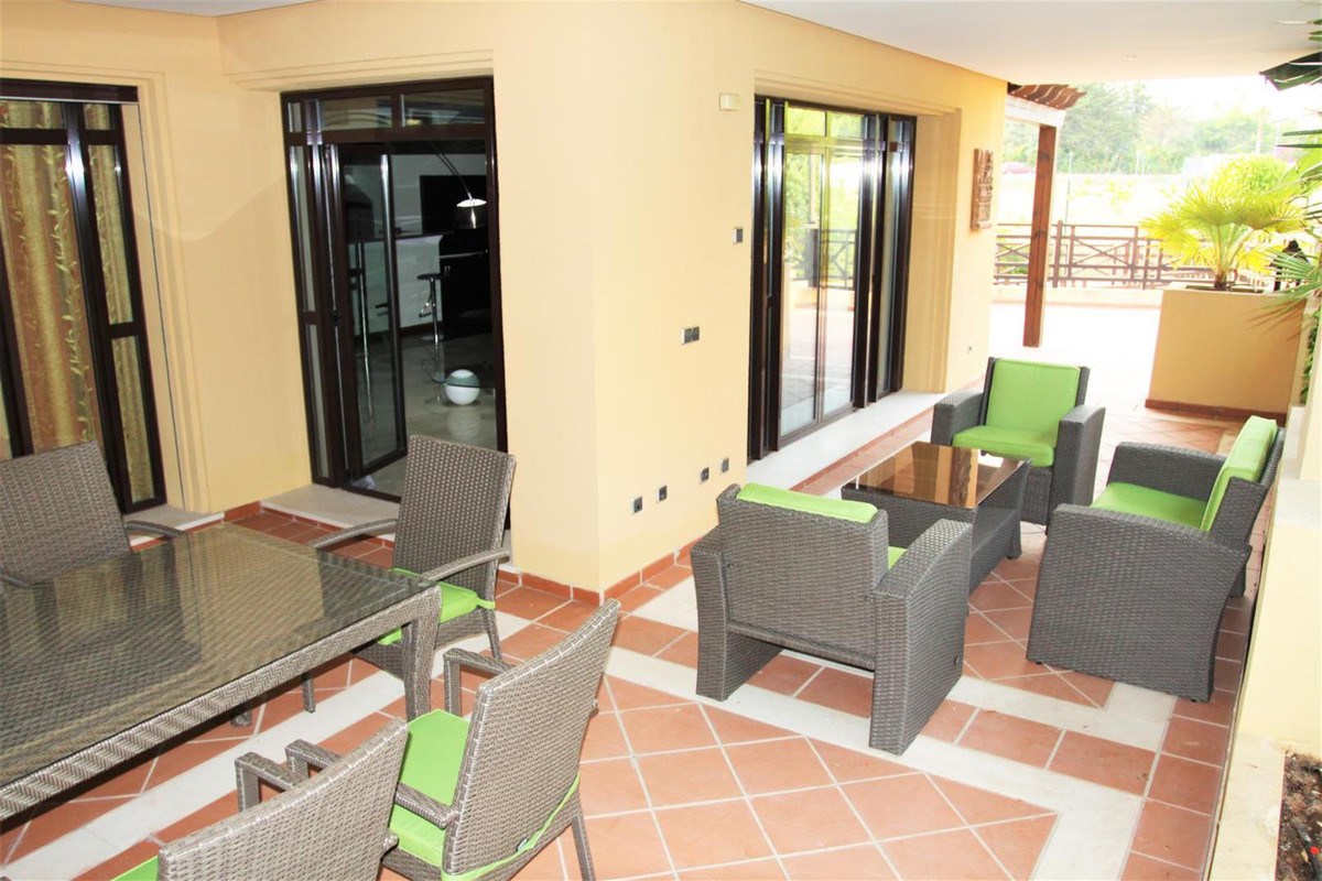 This lovely 2 bedroom and 2 bathroom ground floor apartment is situated in the luxurious urbanizatio,Spain