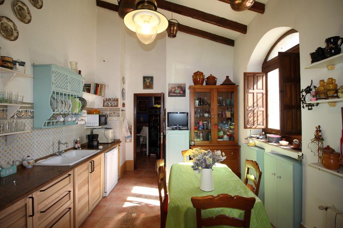 Village house in la Vinuela   Town House, built in 1920, in the municipality of la Vinuela. the prop,Spain