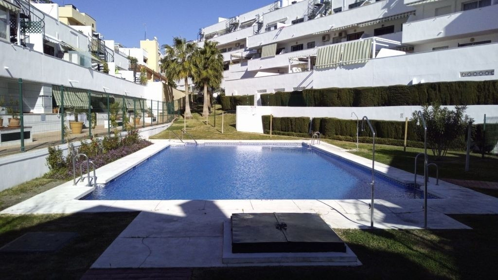 For sale Penthouse apartment located 1 km from the beach, 20 minutes from Malaga airport, 5 minutes , Spain