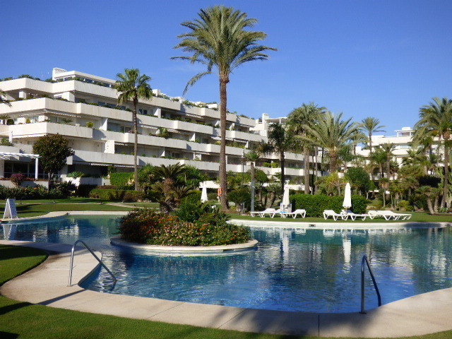 Front line Beach 3 bed Ground floor apartment, large terrace  private pool, plus further bedroom ter, Spain