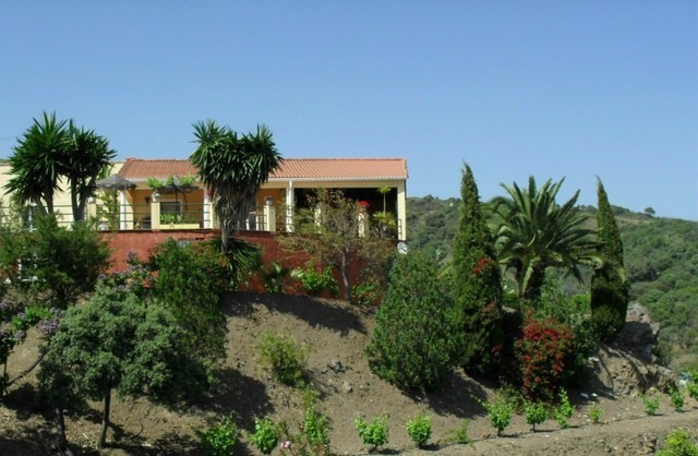 Lovely country house for sale in Estepona, 5.600 m2 the plot and 192 m2 built. Two houses. First hou, Spain