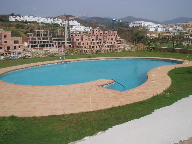 Middle Floor Apartment, Estepona, Costa del Sol. 2 Bedrooms, 2 Bathrooms, Built 118 m², Terrace 17 m, Spain