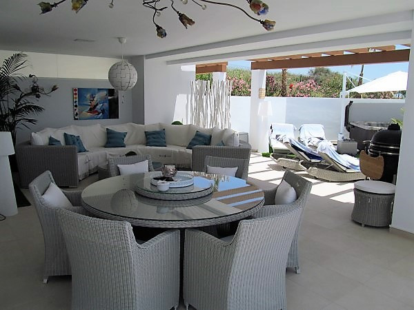 This beautiful 2 bedroom, ground floor apartment has the most amazing 172m terracing with wonderful ,Spain