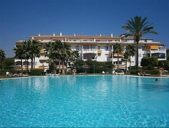 GREAT OPPORTUNITY, WALKING DISTANCE TO PUERTO BANUS MARINA / SHOPS & GOLF  Spacious apartment, g, Spain