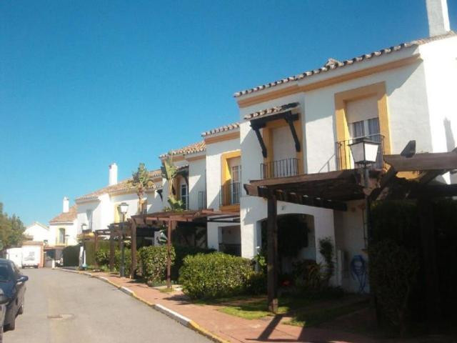 FORMIDABLE TOWNHOUSE IN THE NEW GOLDEN MILE  Formidable townhouse, located in The New Golden Mile, b, Spain