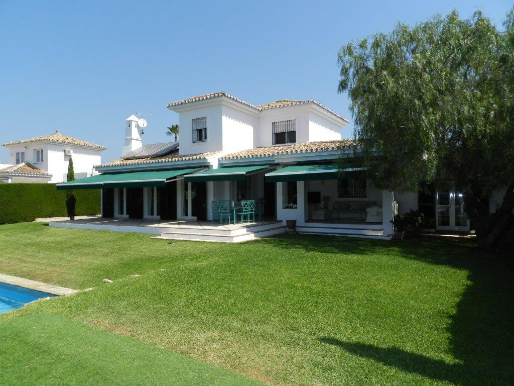 LARGE LUXURY Detached Villa in a quiet part of CALAHONDA,  SEA VIEWS  close to all amenities shops r Spain