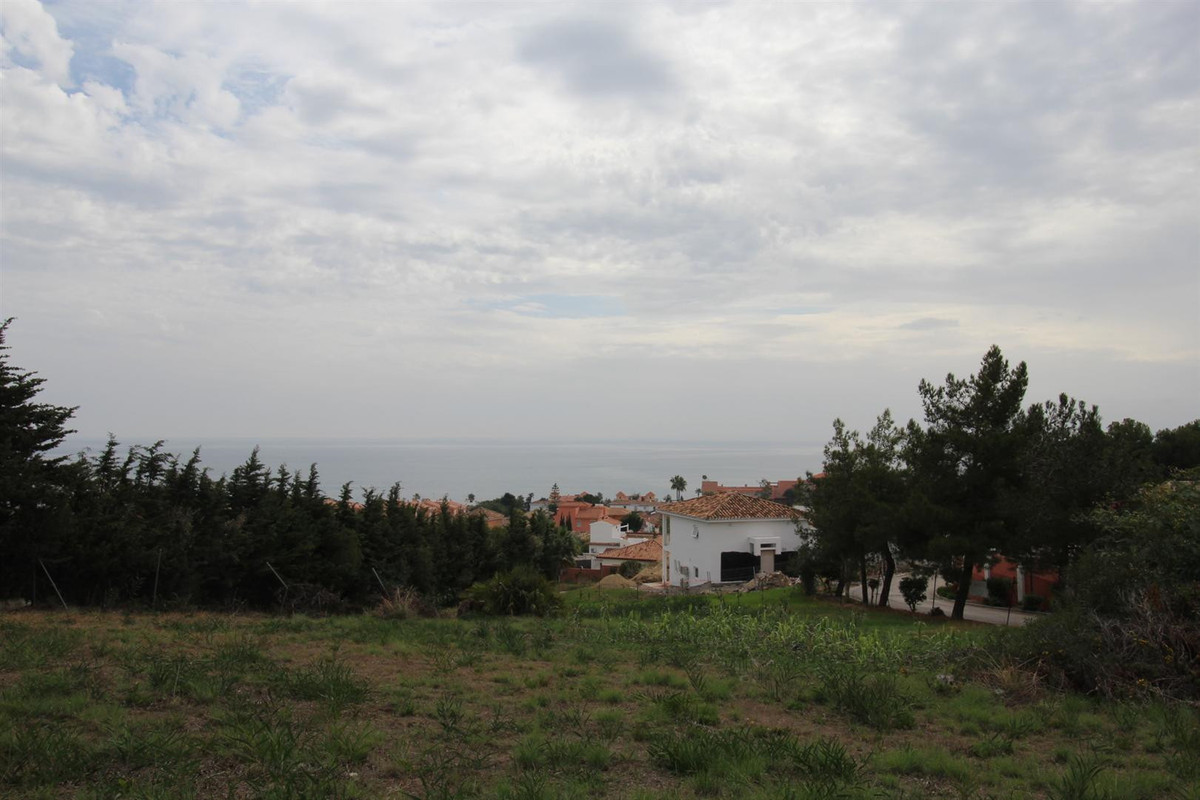 Located in a popular, established residential area we are offering a large flat building plot for sa,Spain