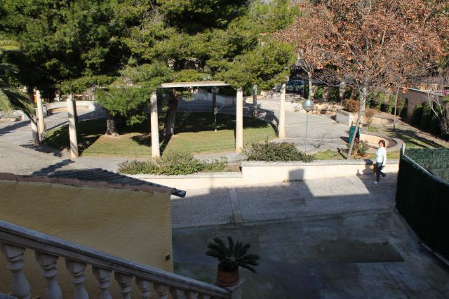 For sale 1st., Well maintained apartment, 140m2., With 16m2., Terrace, opposite a playground for chi, Spain
