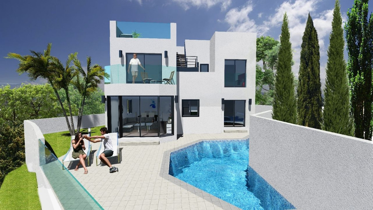 STUNNING MODERN CONTEMPORARY LUXURY VILLA IN TORROX COSTA WITH SEA VIEWS  The property has a constru, Spain