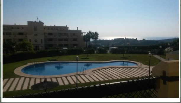 Magnificent ground floor apartment with views to the sea and the bay of Fuengirola with swimming poo, Spain