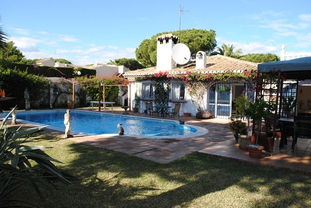 recently renovated, this villa is ready to move in.This is a wonderful villa in a very quiet area in, Spain