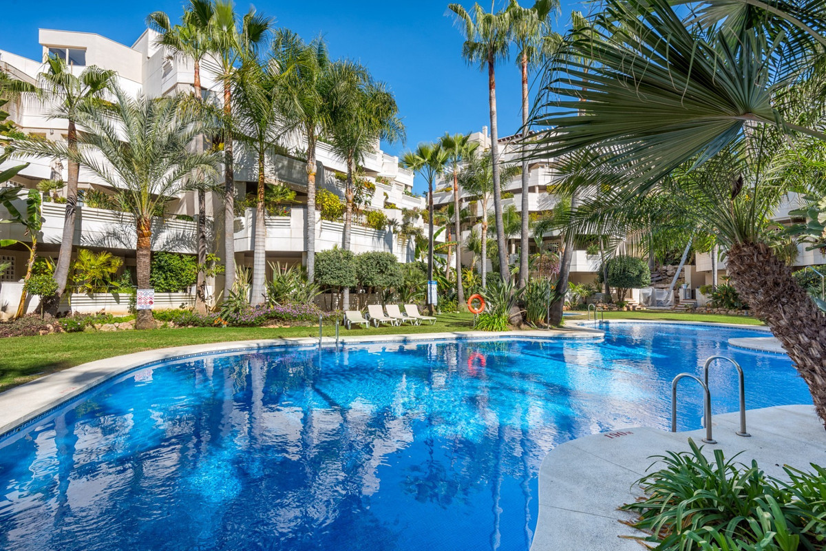 Immaculate two bedroom apartment in an exclusive residential complex in Nueva Andalucia within walki, Spain