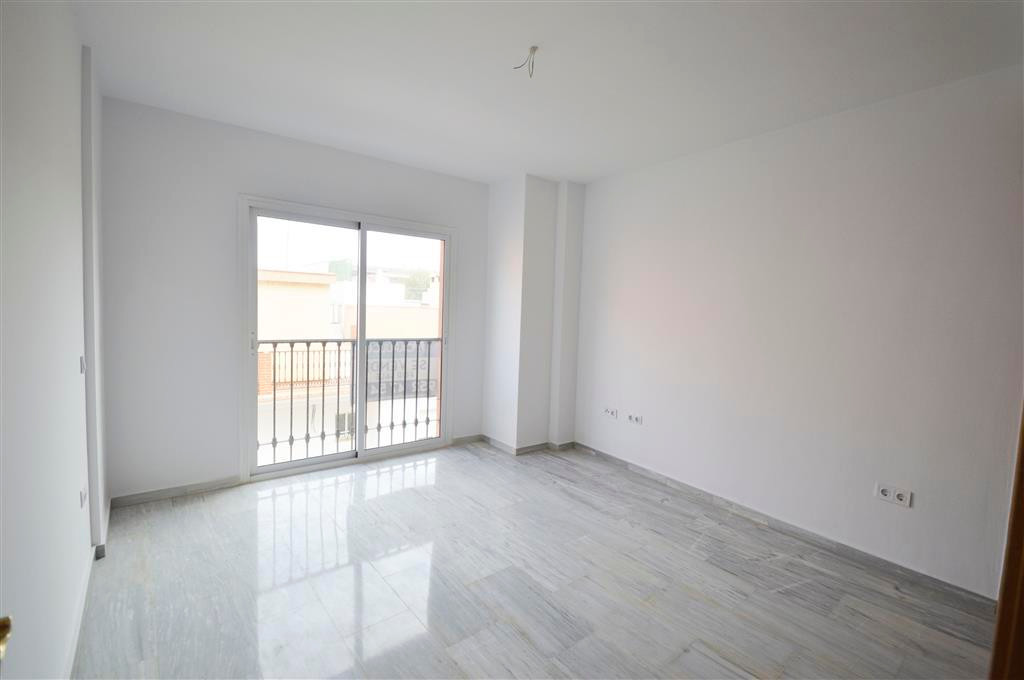 Beautiful brand new apartment in the lagoons, close to el Corte Ingles. With 2 bedrooms and 2 bathro, Spain