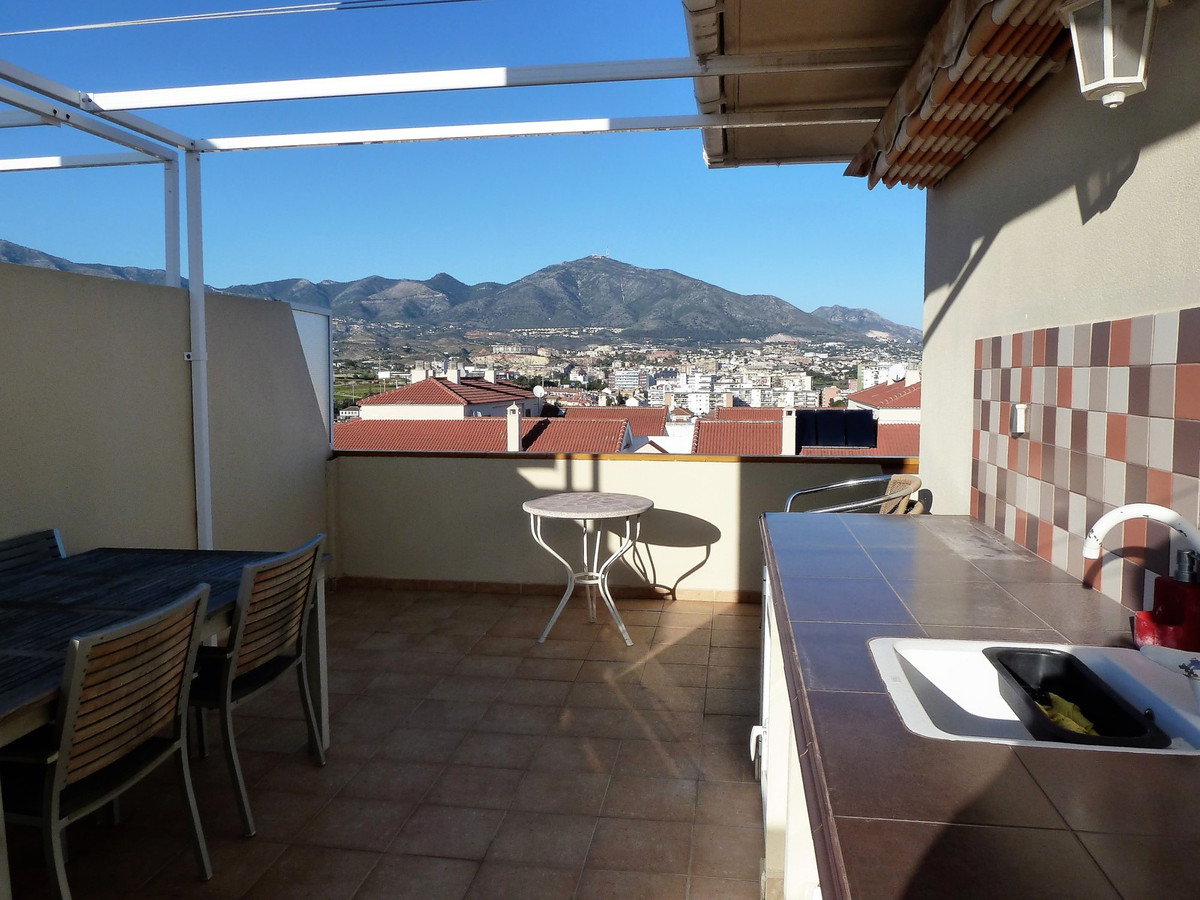 Duplex penthouse near the Fairgrounds in Fuengirola. Spectacular views of the sea, mountains and cit,Spain