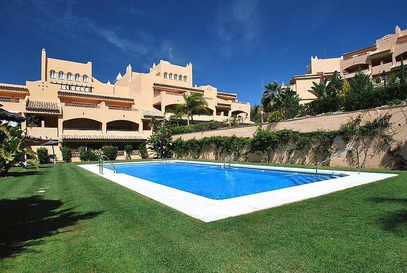Stunning 2-bed apartment in the gated complex of Santa Maria Village, in Elviria, with beautiful sea, Spain