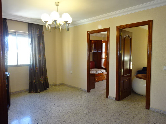 Great apartment located just a 15 minute walk from the city centre.  Situated on the top floor it bo, Spain