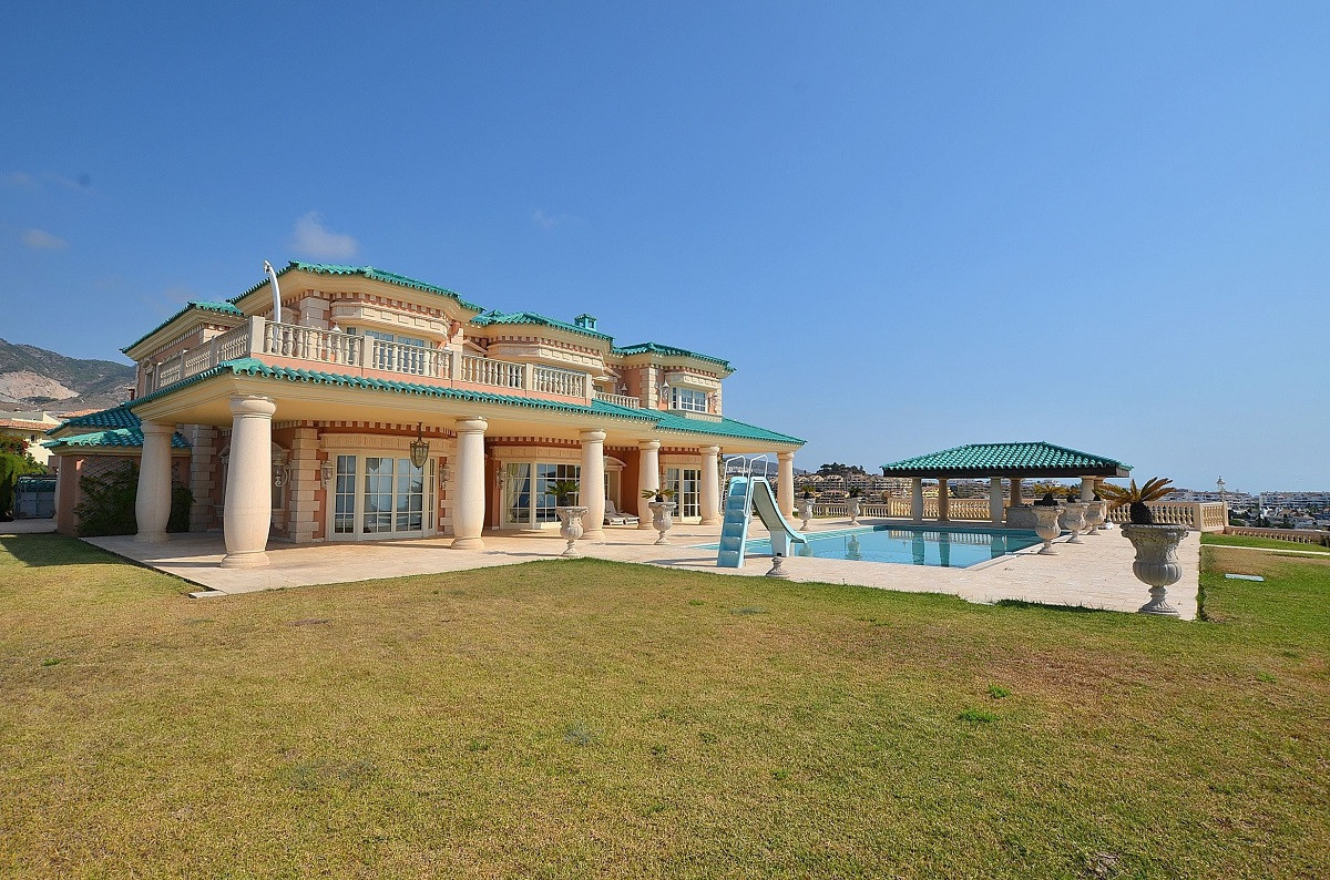 EXCLUSIVE VILLA WITH STUNNING SEA VIEWS! The most excepcional villa located in idyllic place. Fantas,Spain