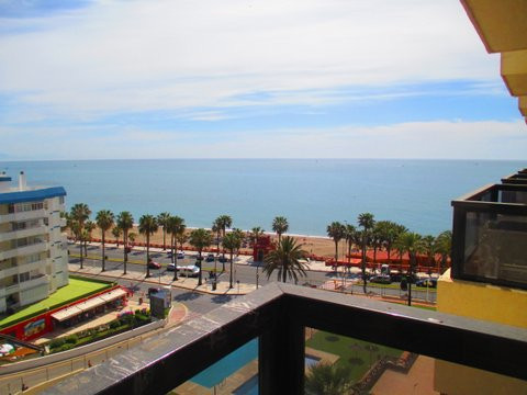 A bright & airy fifth floor studio apartment just footsteps from the beach in Benalmadena Costa ,Spain