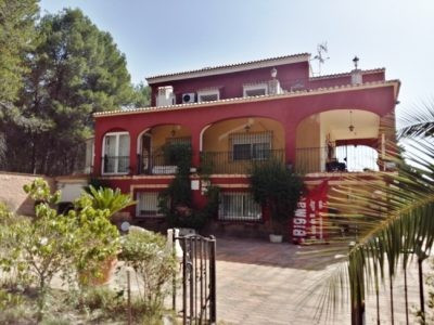 This is a very large house. Almost hotel size with private filtered pool, BBQ area and changing room, Spain