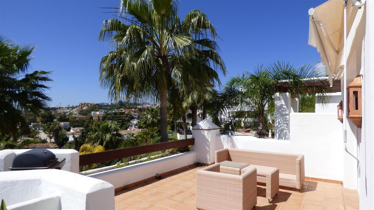 Beautiful and spacious 3 bedroom / 2 bathrooms apartment in one of the most sought after urbanziatio,Spain