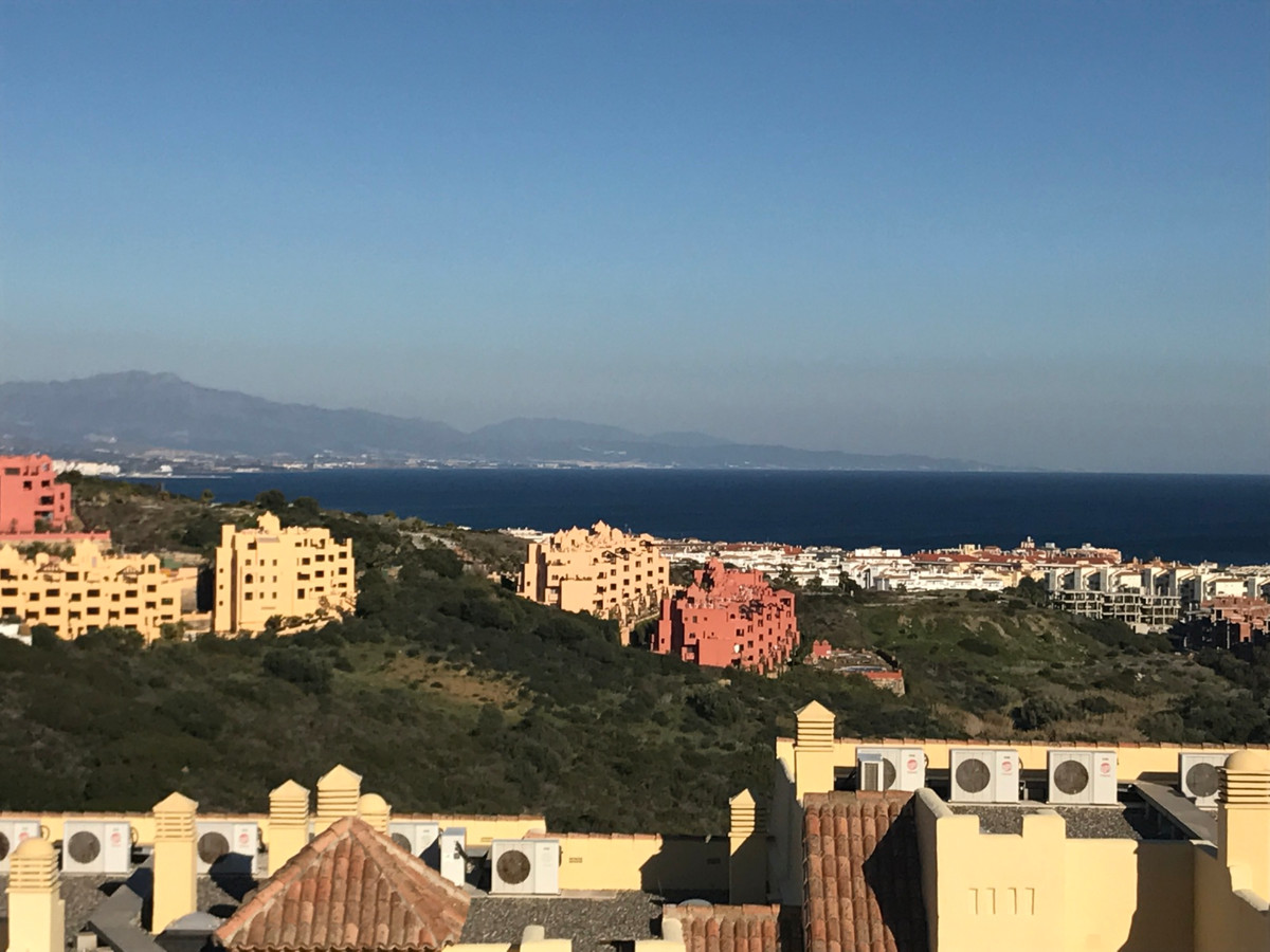 BEAUTIFUL PENTHOUSE WITH PANORAMIC VIEWS TO THE SEA, MOUNTAIN AND GOLF COURSE IN AN QUIET AND CLOSED,Spain