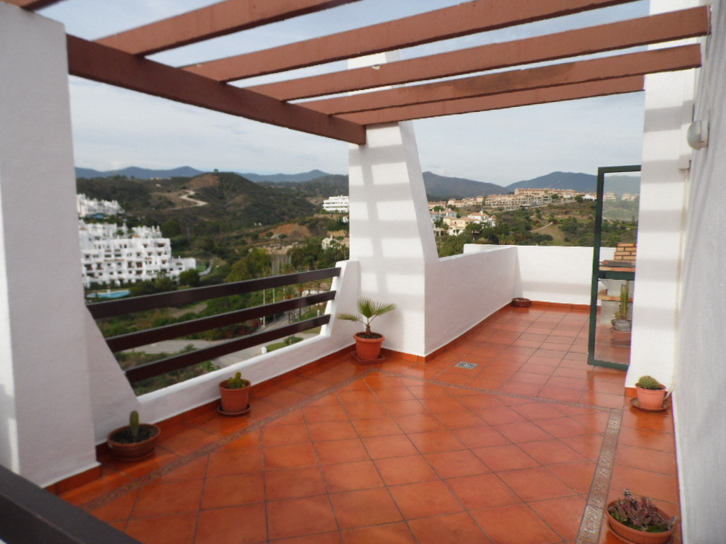 PENTHOUSE!!!   PANORAMIC VIEWS!!!  COMPLEX WITH POOL AND GARDENS!!!  A wonderful 3 bedroom 2 bathroo, Spain