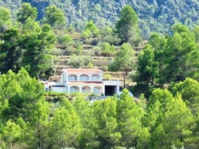 Nested up the hillside just above Benillup, you are welcomed by this lovely split level property. Bu,Spain