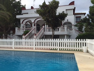 BANK REPOSSESSION Fantastic bargain villa for sale in Nueva   Andalucia. Built on a 2,233m2 plot the, Spain