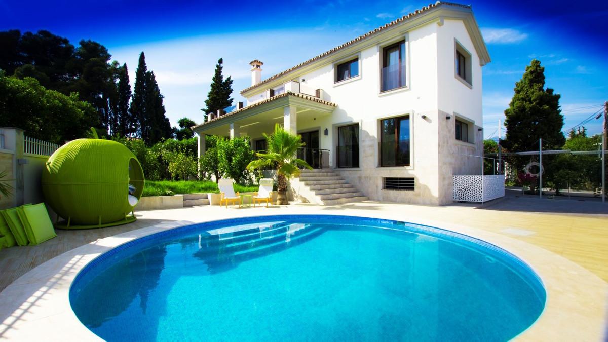 Detached Villa, San Pedro de Alcantara, Costa del Sol. 4 Bedrooms, 3 Bathrooms, Built 360 m�, Terrac,Spain
