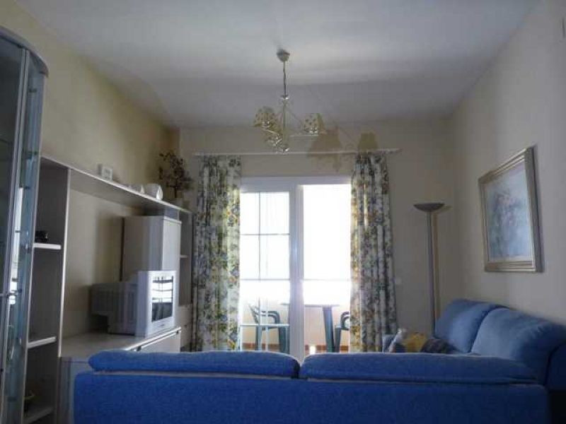 This is a 2 bedroom, 1 bathroom apartment situated in Playa Linda, Benajarafe. Fitted American Kitch,Spain