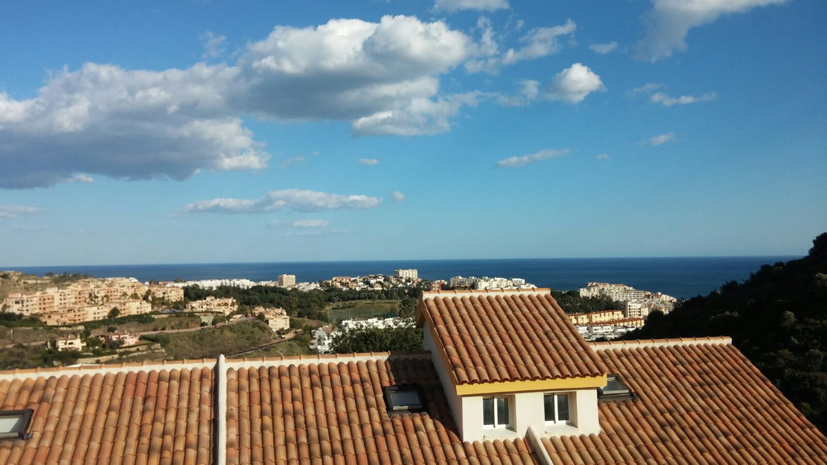 Townhouse in Benalmadena with 105m2 built. Southeast facing with small sea views and mountain views.,Spain