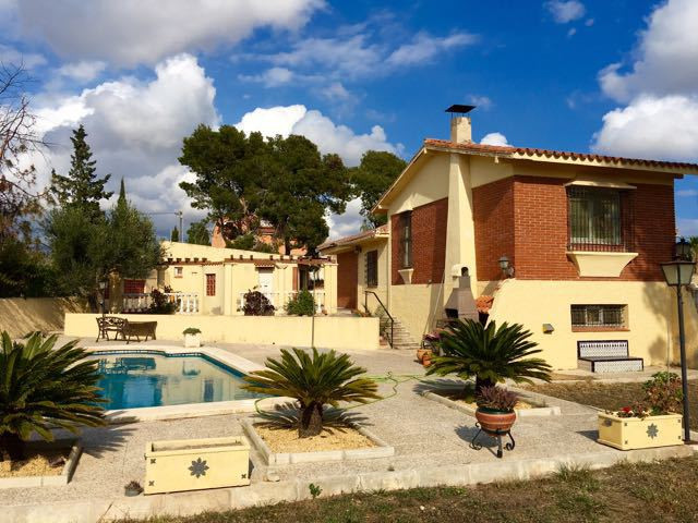 Characterful 4 bedroom villa set in corner, flat plot with mature gardens very near Campello.  Groun, Spain