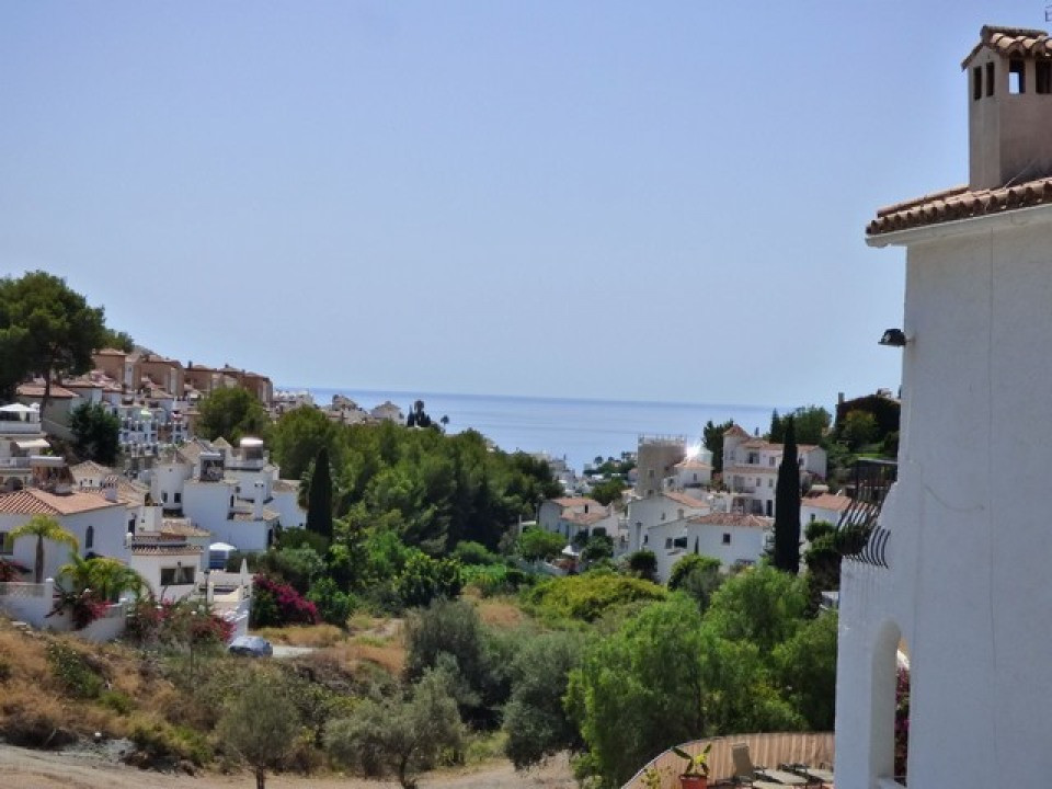 WELL PRESENTED VILLA.   Open views which reach towards the sea, this wonderful opportunity has 3 bed, Spain