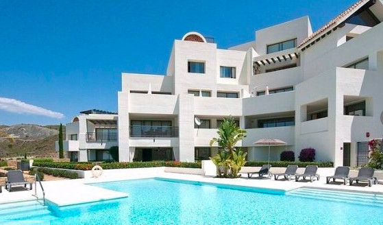 3 bedroom duplex penthouse located in a luxury urbanisation within Los Flamingos, only 10 minutes fr, Spain
