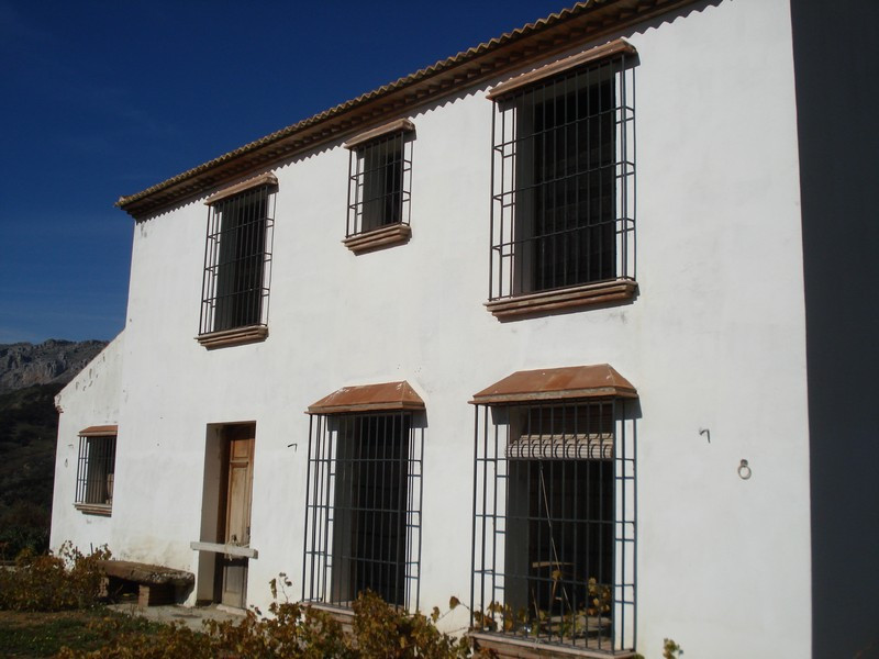 Large house that still needs to be finished (Casco) in Villanueva de la Concepcion.  On the ground f,Spain