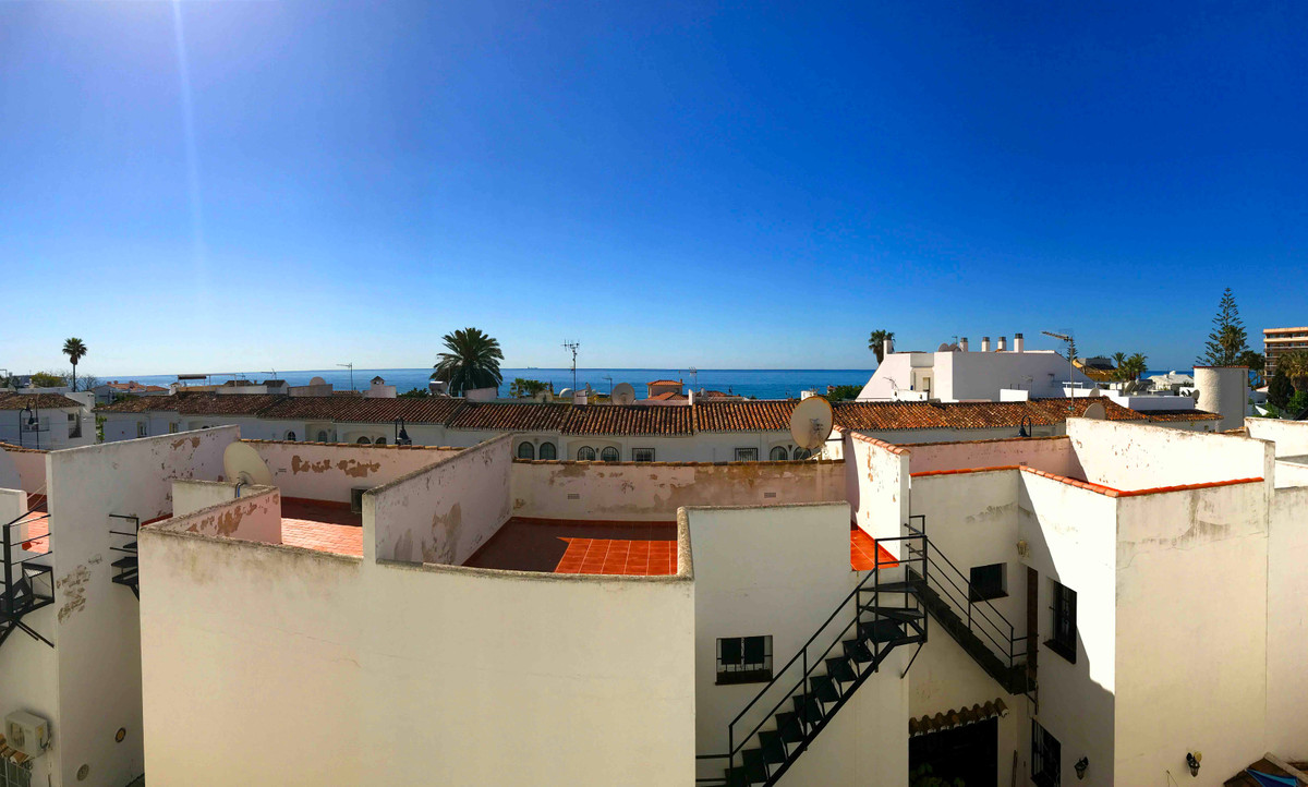 Magnificent one bedroom apartment with sea views, located in the heart of La Cala de Mijas. Ideal fo, Spain