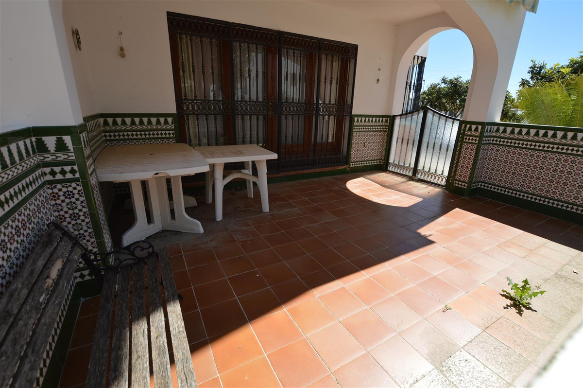 Townhouse in the corner of Valle Verde urbanization in Mijas Golf. It is distributed over 3 floors, , Spain