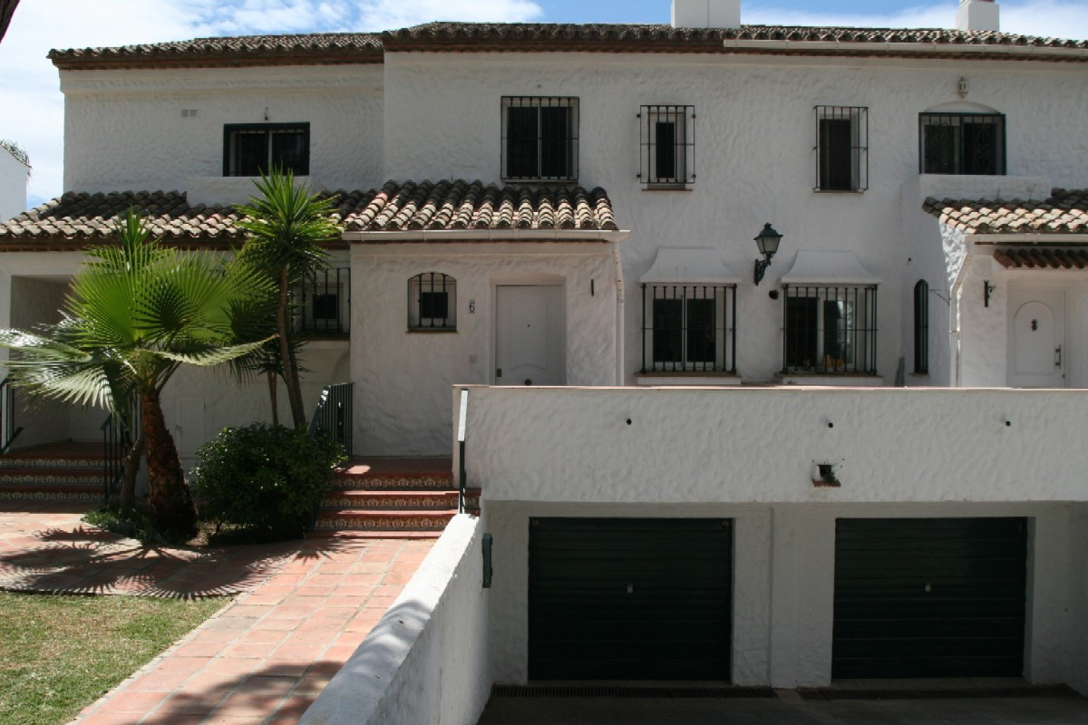 Very Nice 2 Bedroom, 2 Bathroom TOWNHOUSE in LAS PALMERAS DE BENA VISTA - EL PARAISO, a Very Nice Co, Spain